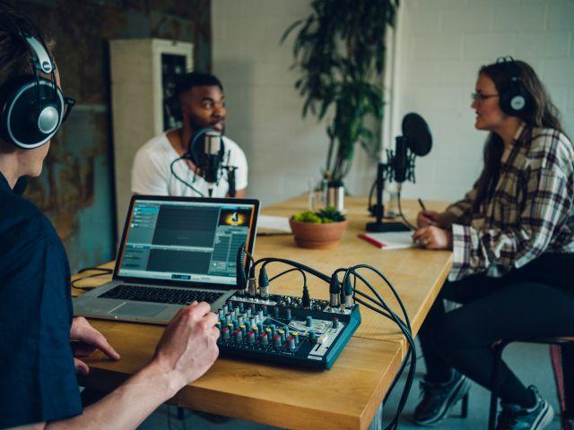 Notepad  - סדרת מיקסרים קומפקטיים עם ממשק אודיו ואפקטים מ-Soundcraft
